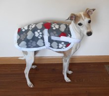 * Cozy Fleece Hearts 'n Paws IG Lounge Coat in TWO Sizes - This one is for Size Sm/Med - 8-ll lbs. [jl] 53013 Lounge Coat